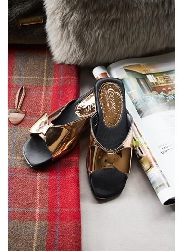 Arma Shoes Kadın Fiyonklu Ev Terliği Bronz